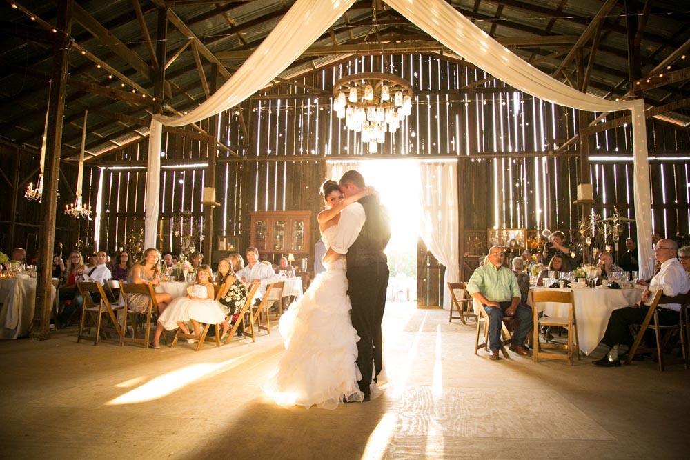 Dana Powers Barn Wedding095.jpg