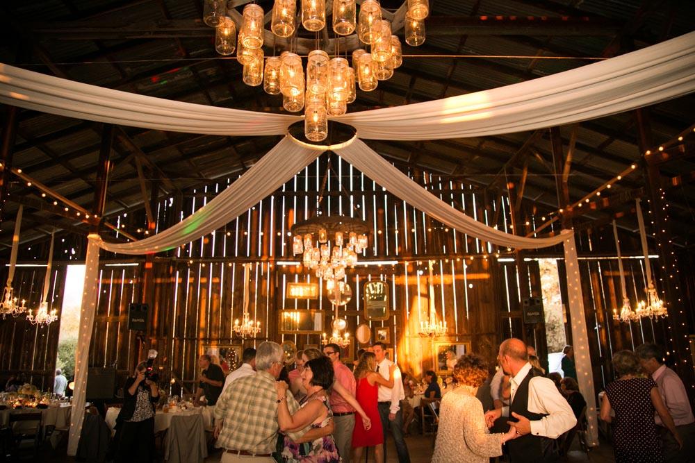 Dana Powers Barn Wedding104.jpg