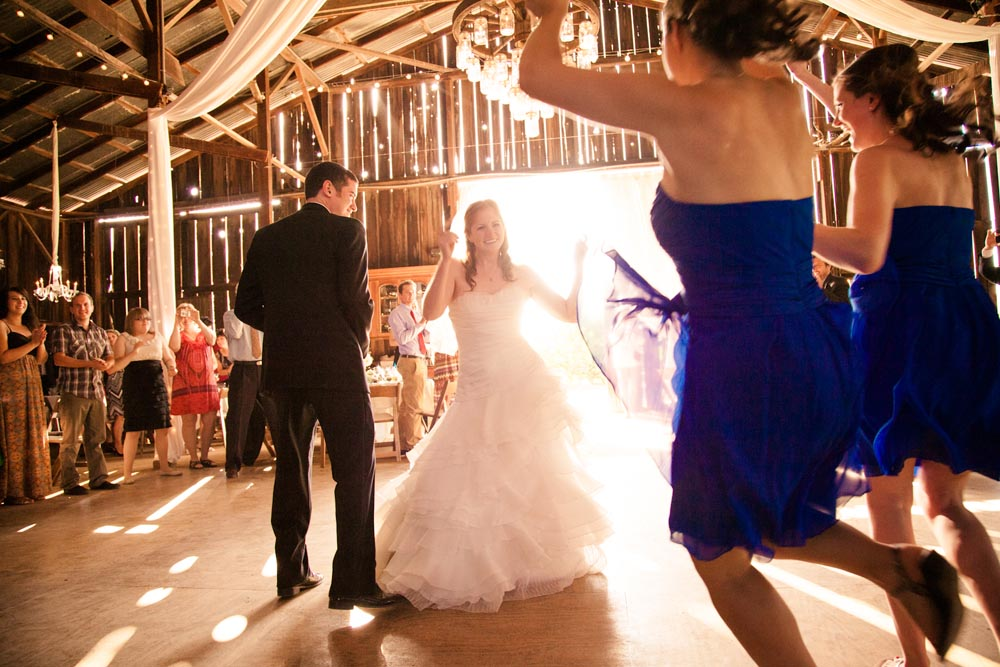 Dana Powers Barn Wedding103.jpg