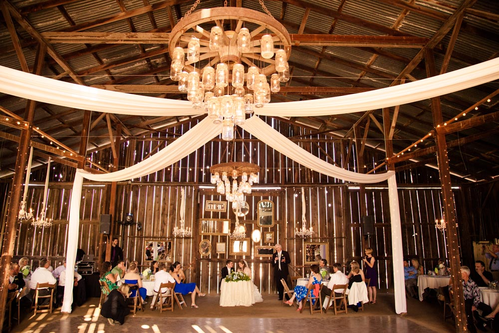Dana Powers Barn Wedding104.jpg