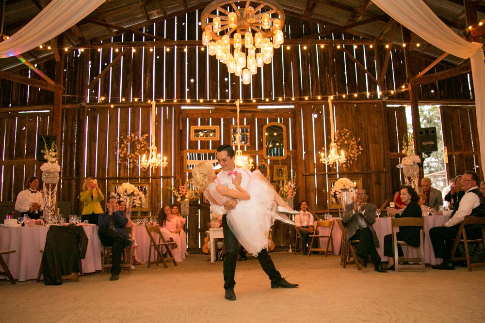 Dana Powers Barn Wedding164.jpg