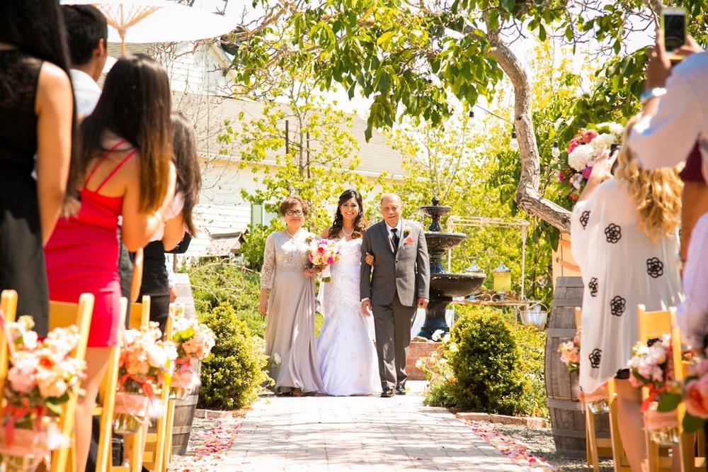 Gardens at Peacock Farms Wedding060.jpg
