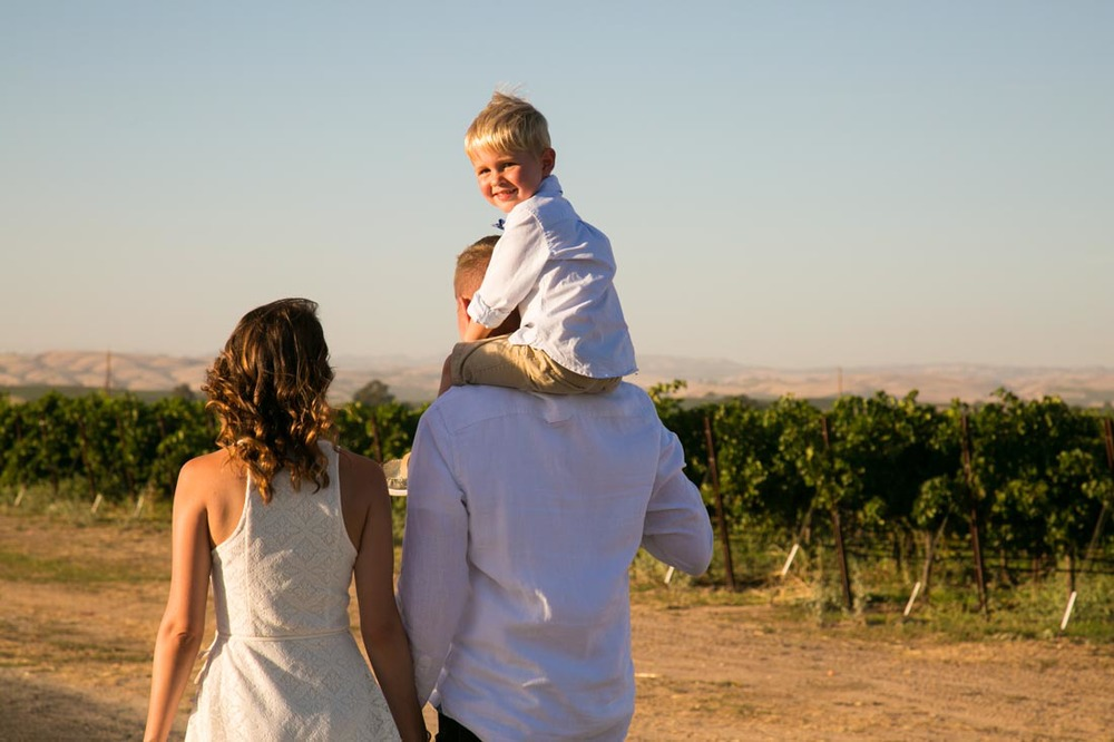 Le Vigne Winery Family Portraits073.jpg