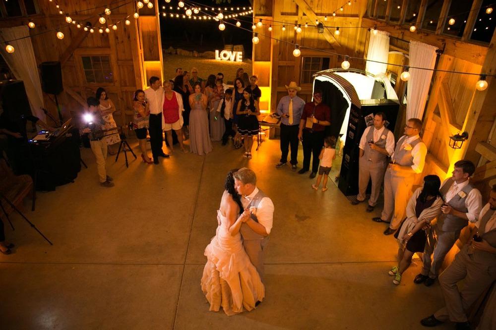 Hammersky Vineyards Wedding170.jpg