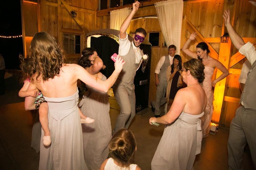 Hammersky Vineyards Wedding175.jpg