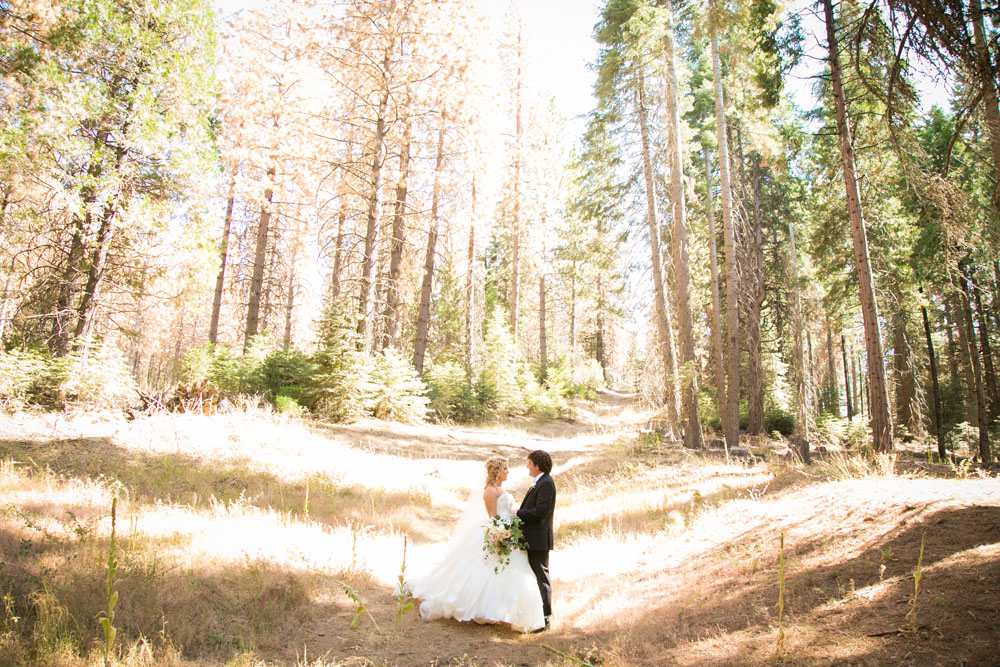 Yosemite Wedding Photographer Tenaya Lodge052.jpg