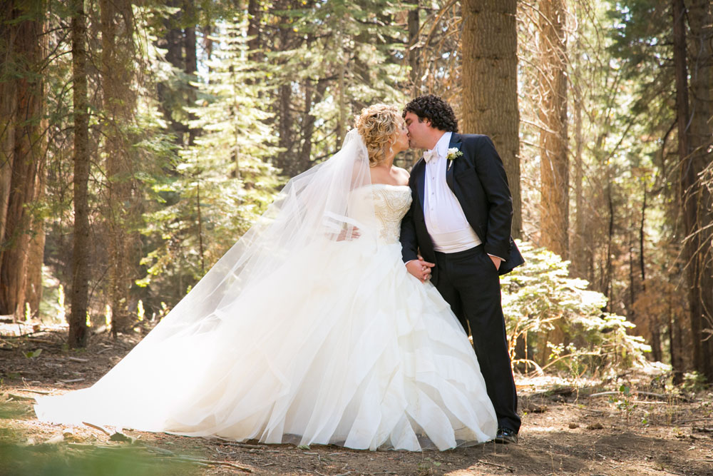 Yosemite Wedding Photographer Tenaya Lodge075.jpg