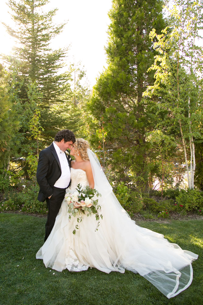 Yosemite Wedding Photographer Tenaya Lodge140.jpg