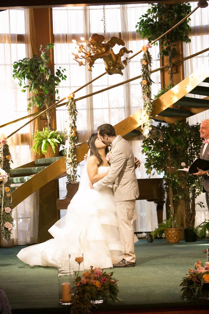 San Luis Obispo Wedding Photographer Madonna Inn 118.jpg