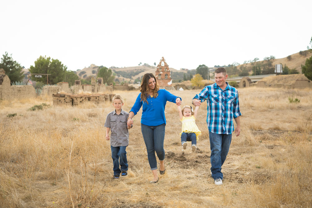 Paso Robles Family Photographer Mission San Miguel014.jpg