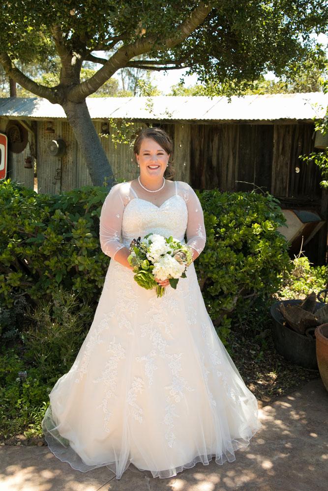 San Luis Obiso Wedding Photographer Edwards Barn 018.jpg