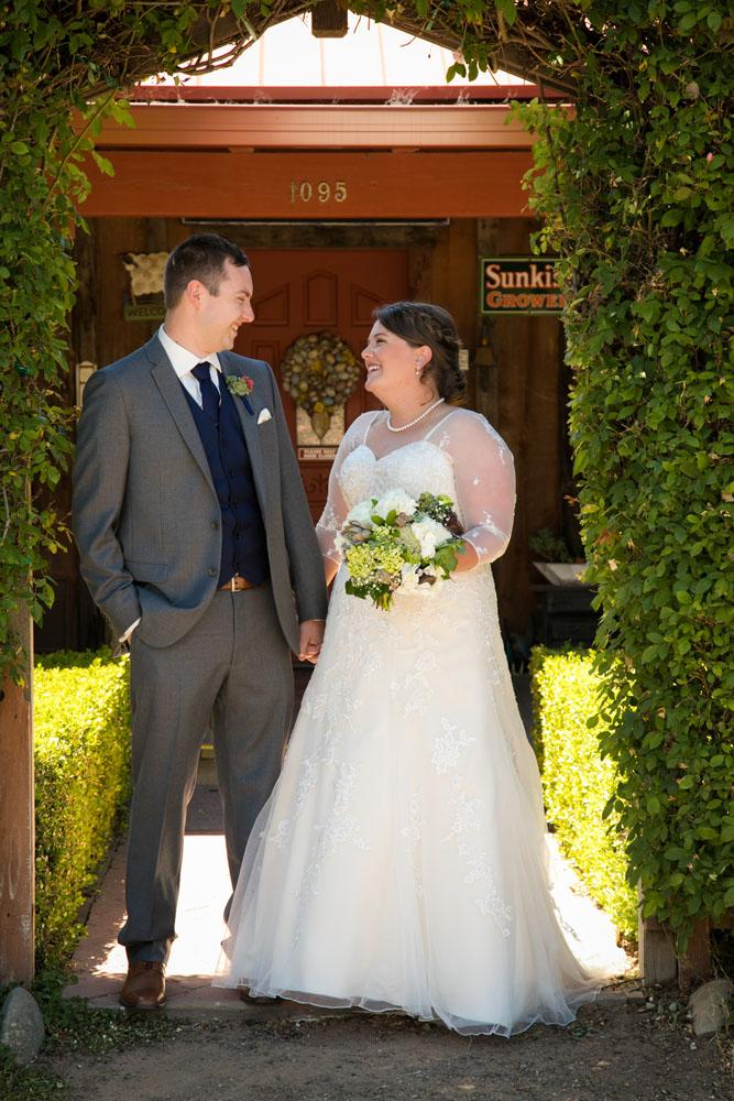 San Luis Obiso Wedding Photographer Edwards Barn 050.jpg