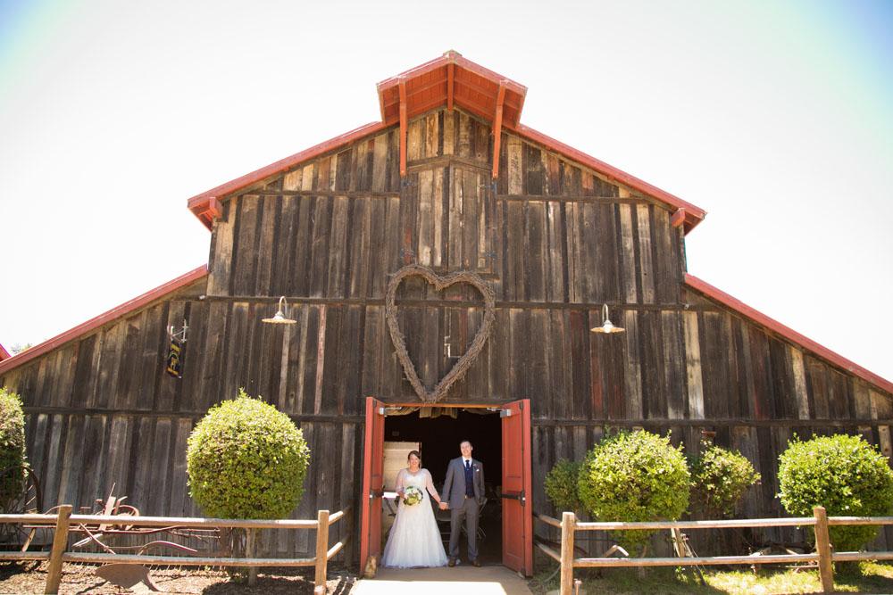 San Luis Obiso Wedding Photographer Edwards Barn 051.jpg
