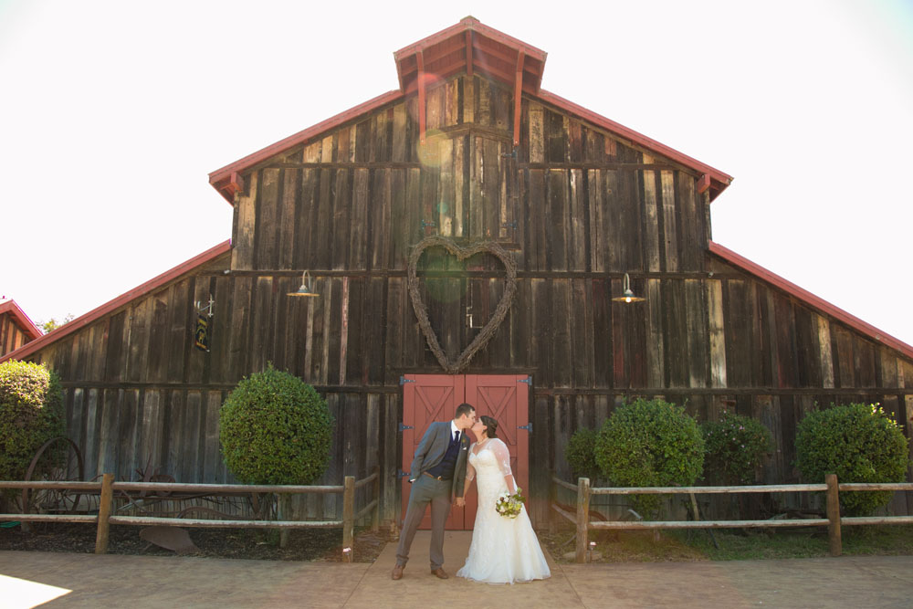 San Luis Obiso Wedding Photographer Edwards Barn 098.jpg