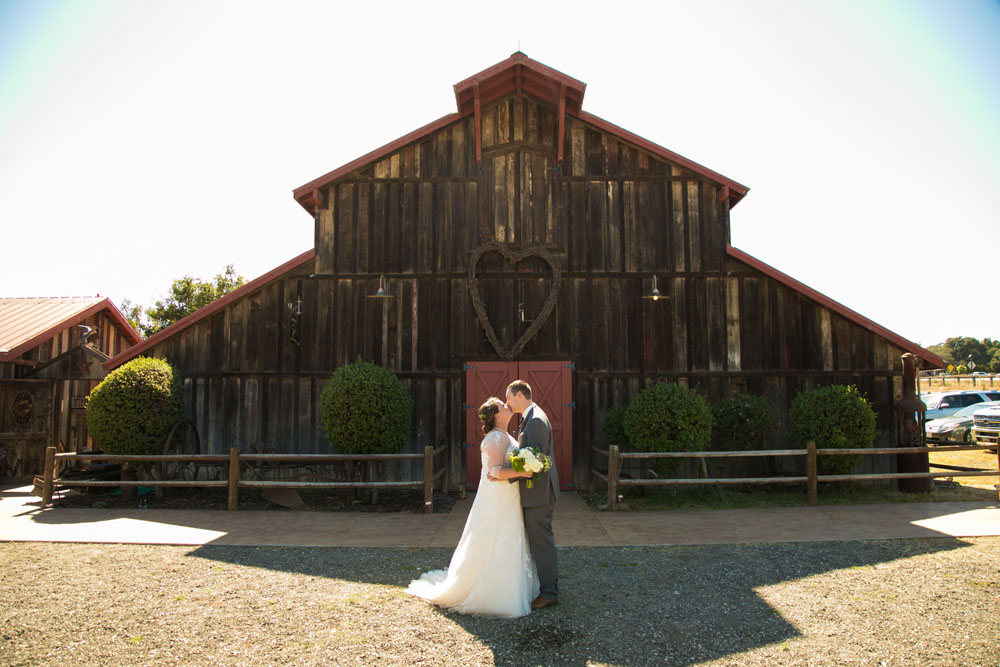 San Luis Obiso Wedding Photographer Edwards Barn 103.jpg