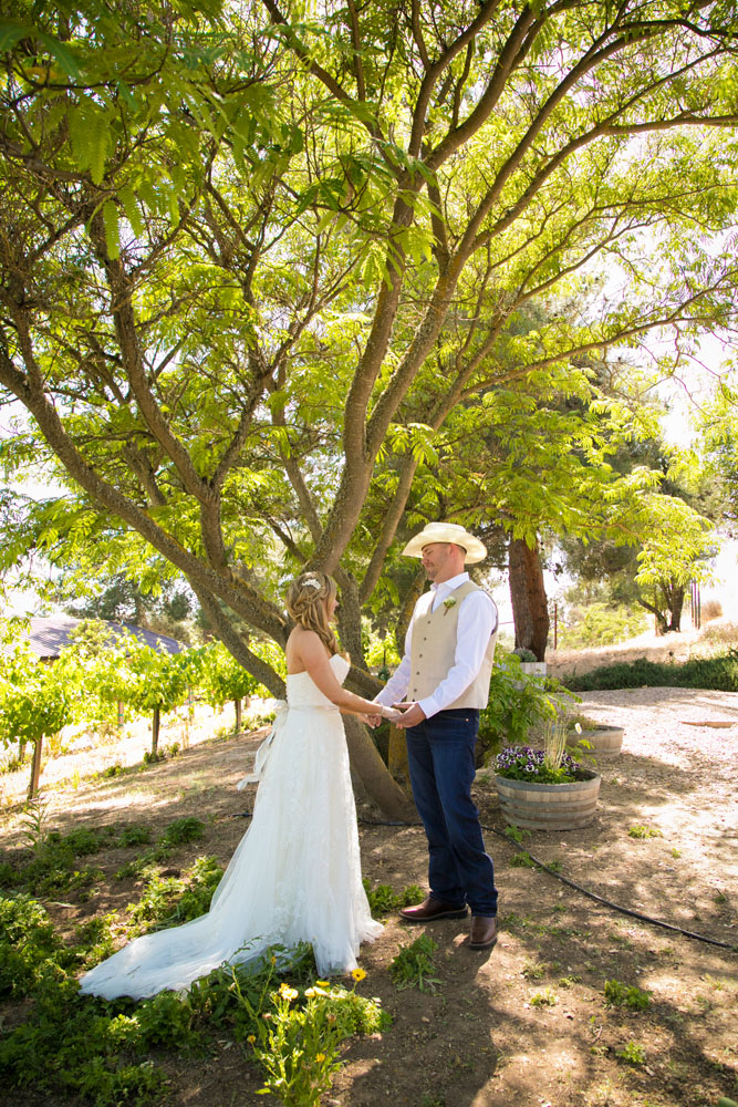 Paso Robles Wedding Photographer Stillwaters Vineyard 059.jpg