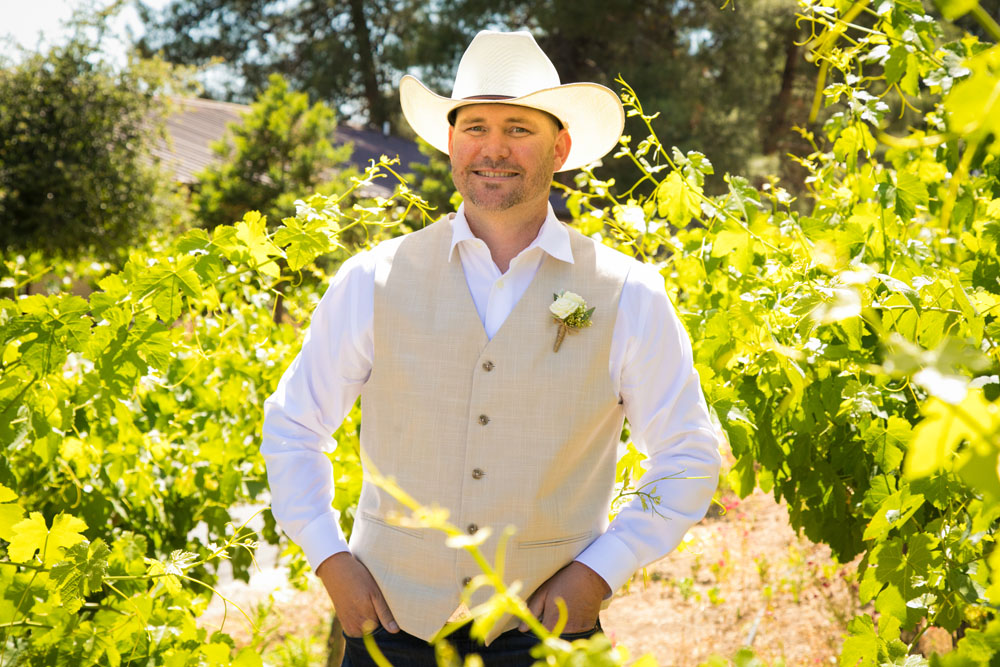 Paso Robles Wedding Photographer Stillwaters Vineyard 053.jpg