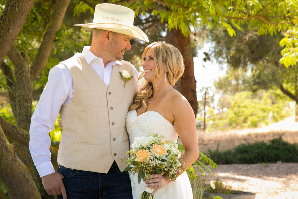 Paso Robles Wedding Photographer Stillwaters Vineyard 063.jpg