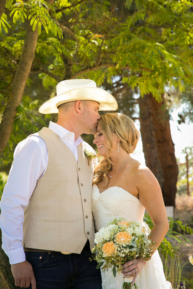 Paso Robles Wedding Photographer Stillwaters Vineyard 064.jpg