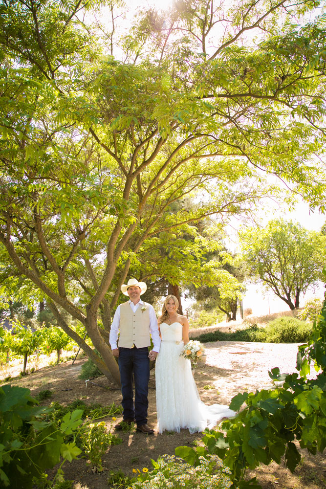 Paso Robles Wedding Photographer Stillwaters Vineyard 066.jpg