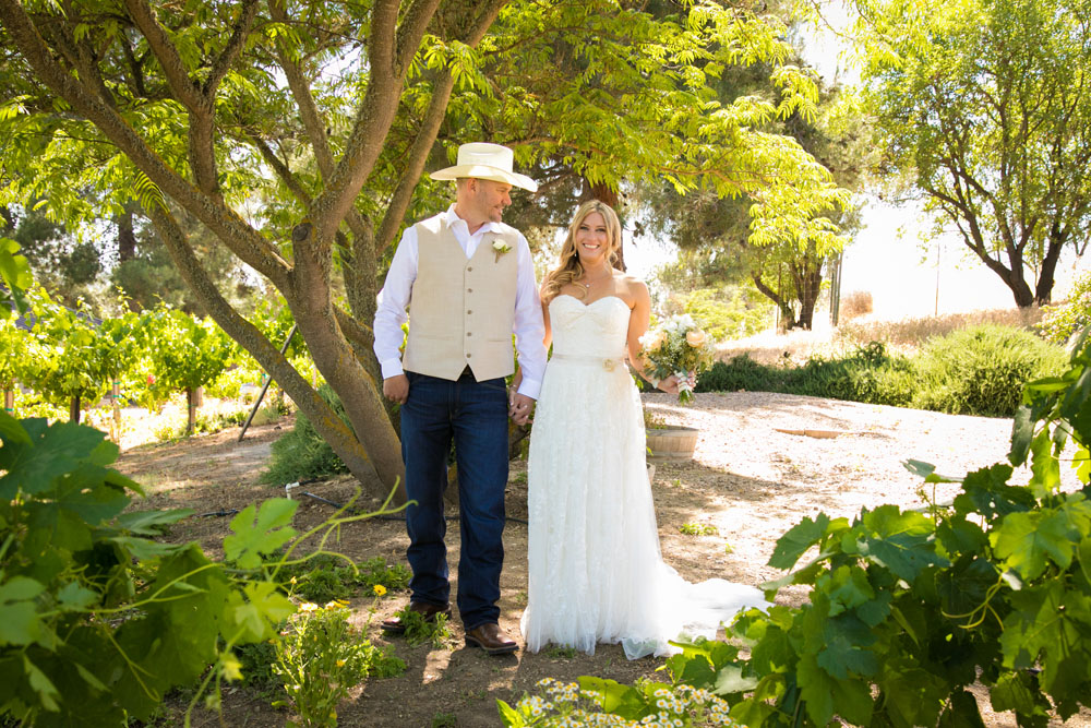 Paso Robles Wedding Photographer Stillwaters Vineyard 067.jpg