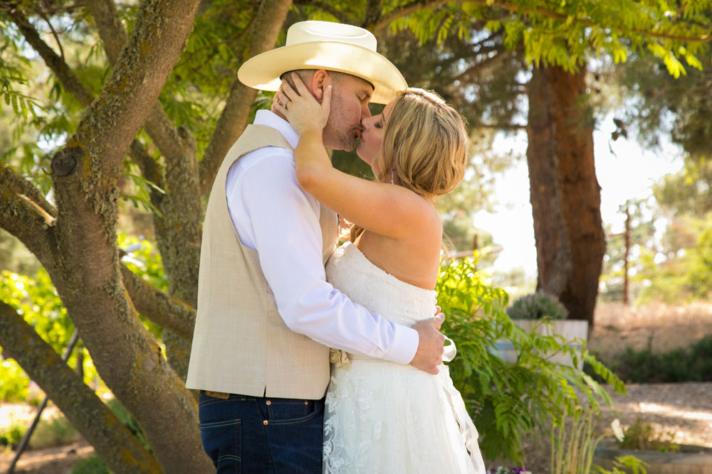 Paso Robles Wedding Photographer Stillwaters Vineyard 071.jpg