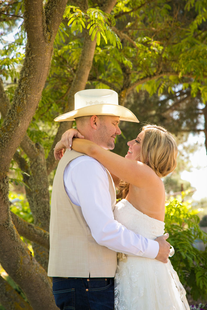 Paso Robles Wedding Photographer Stillwaters Vineyard 072.jpg