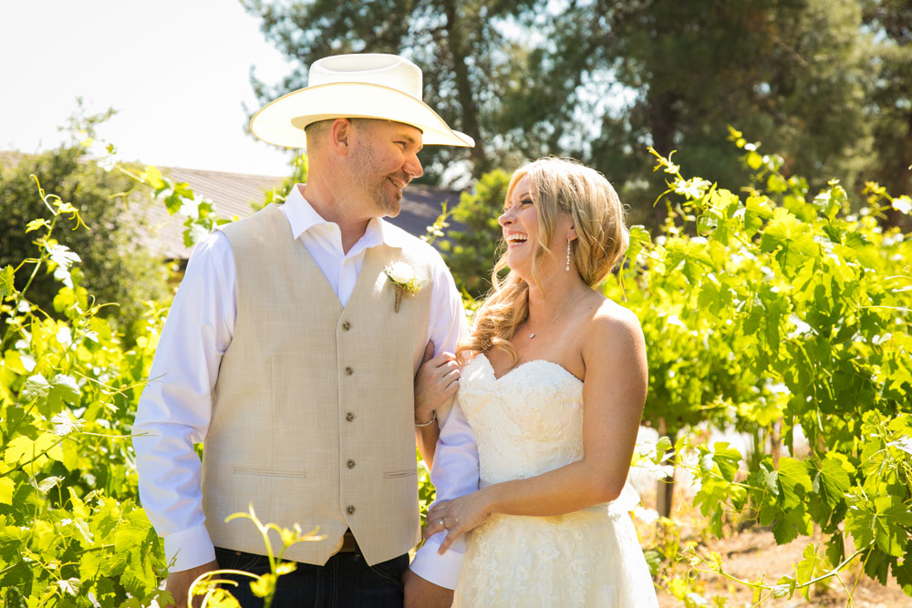 Paso Robles Wedding Photographer Stillwaters Vineyard 075.jpg