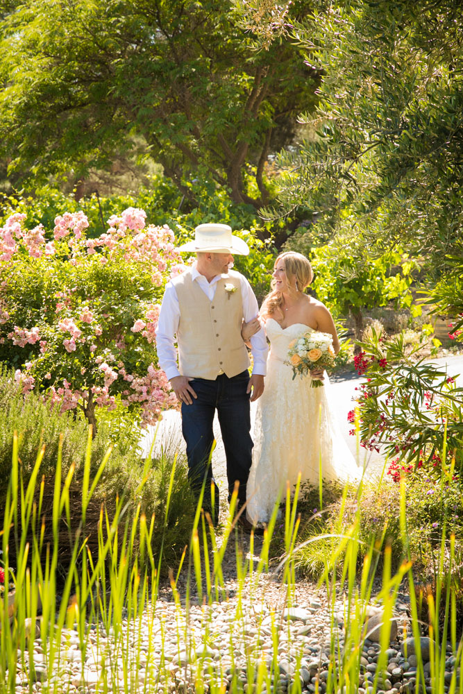 Paso Robles Wedding Photographer Stillwaters Vineyard 081.jpg