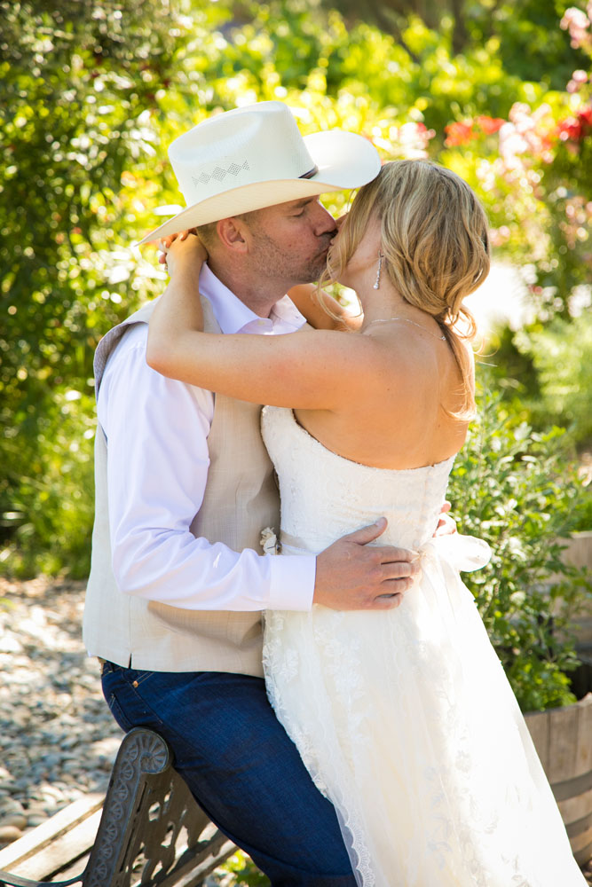 Paso Robles Wedding Photographer Stillwaters Vineyard 083.jpg