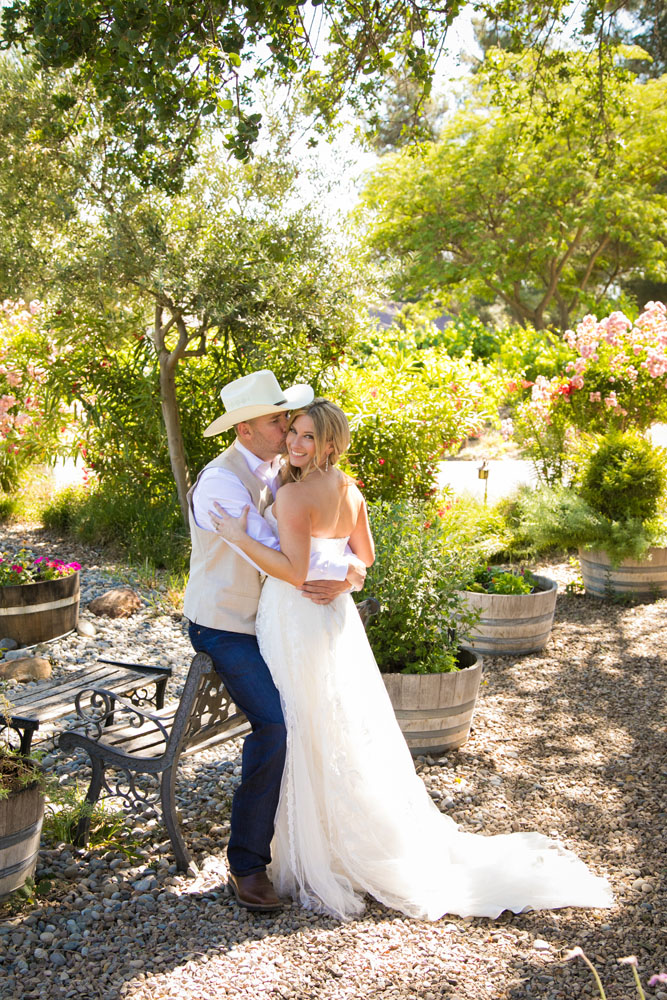 Paso Robles Wedding Photographer Stillwaters Vineyard 084.jpg
