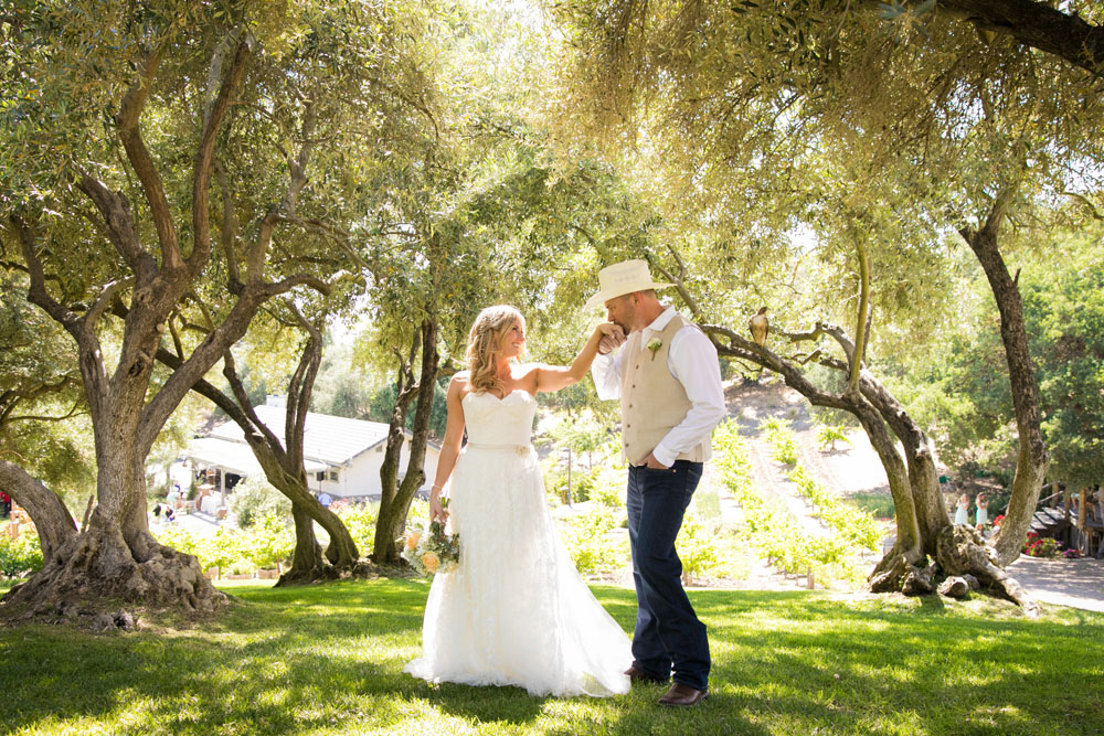 Paso Robles Wedding Photographer Stillwaters Vineyard 086.jpg