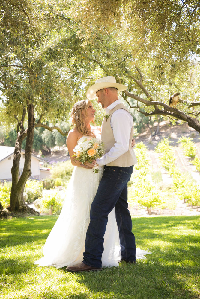 Paso Robles Wedding Photographer Stillwaters Vineyard 087.jpg
