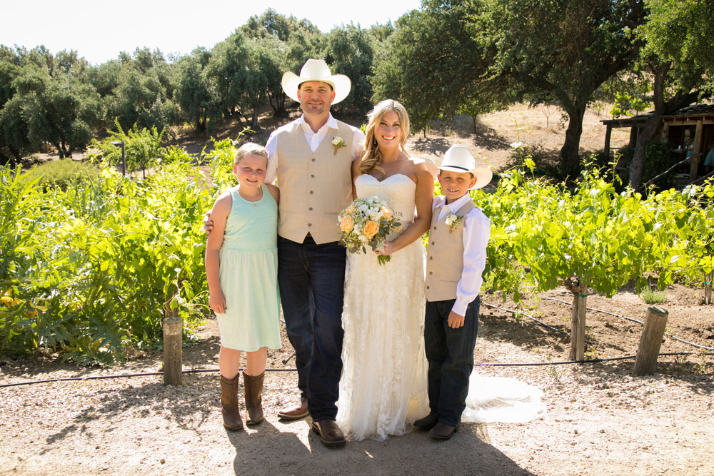 Paso Robles Wedding Photographer Stillwaters Vineyard 094.jpg