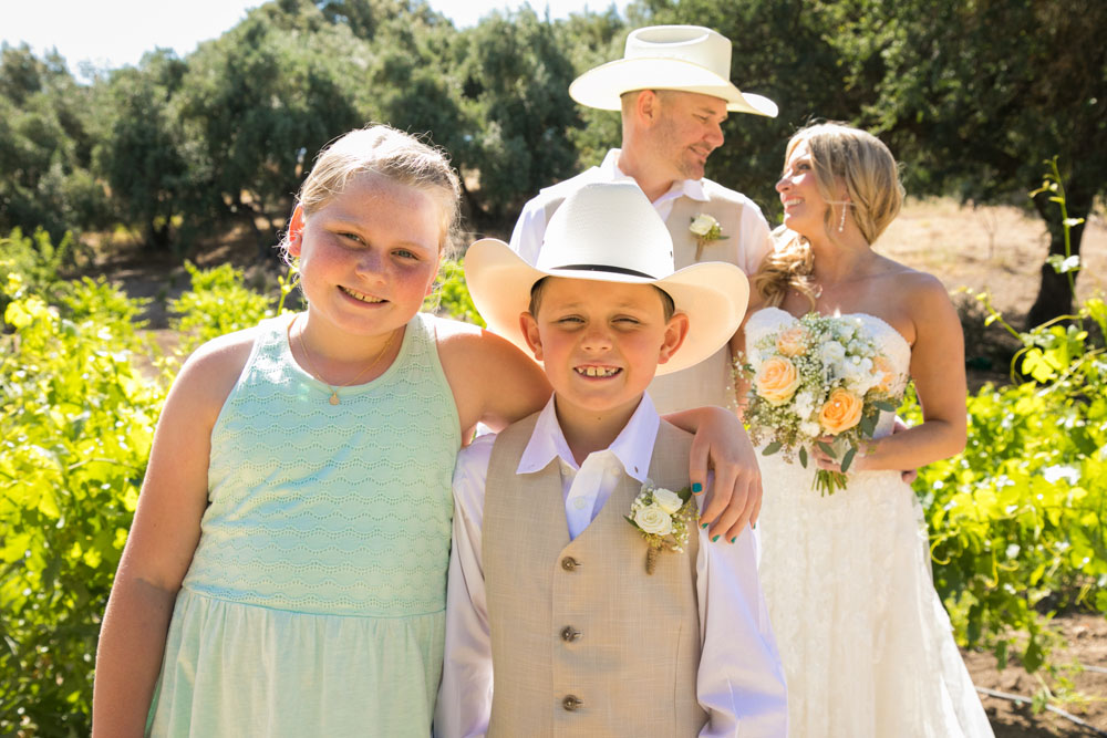 Paso Robles Wedding Photographer Stillwaters Vineyard 095.jpg