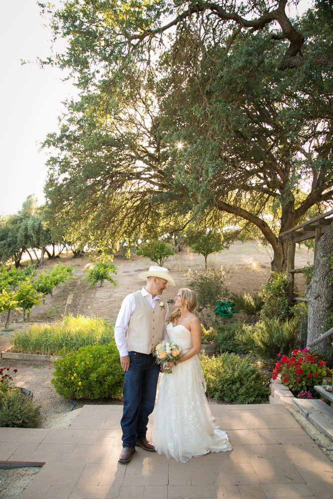 Paso Robles Wedding Photographer Stillwaters Vineyard 121.jpg