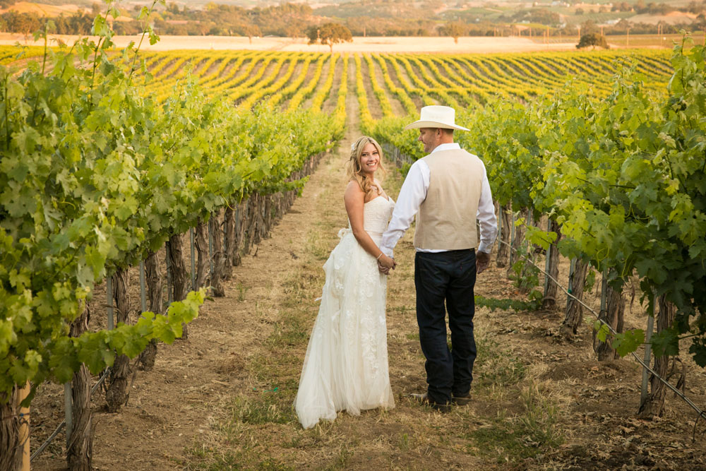 Paso Robles Wedding Photographer Stillwaters Vineyard 147.jpg