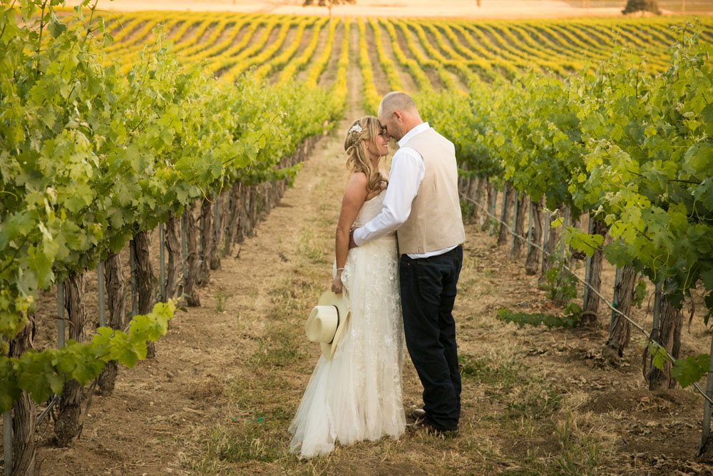 Paso Robles Wedding Photographer Stillwaters Vineyard 148.jpg