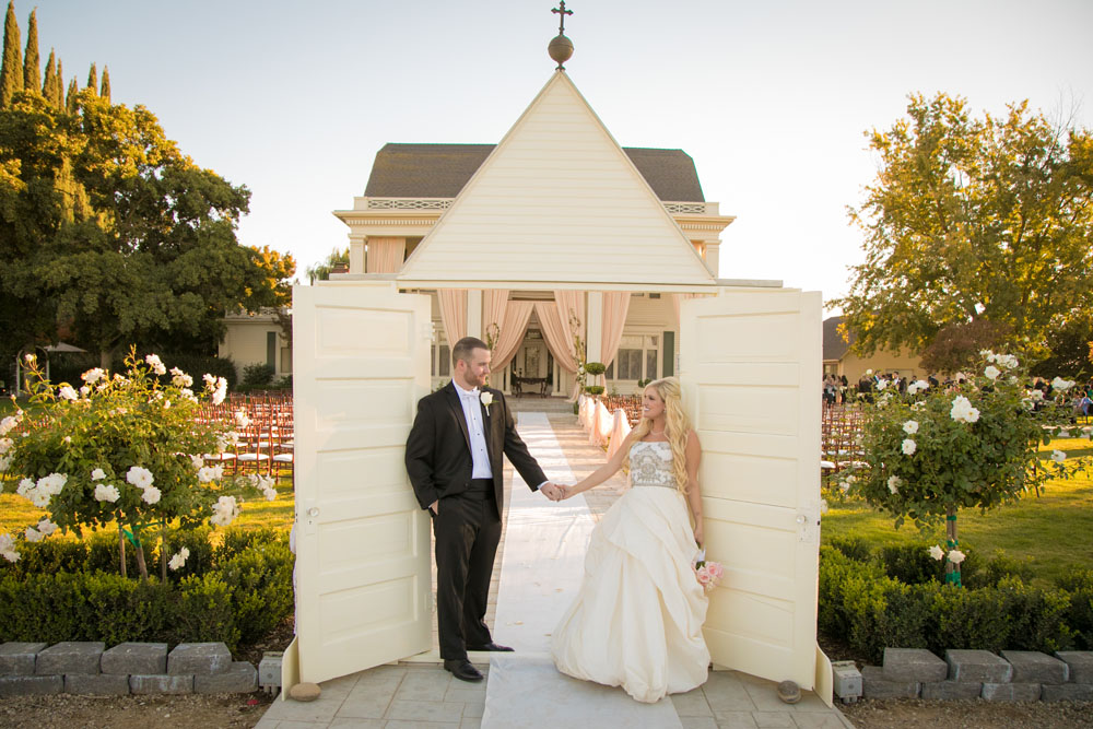 Fresno Wedding Photographer The Manor Estate 105.jpg
