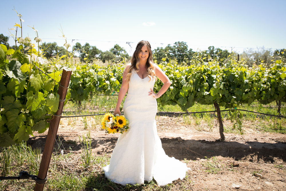Paso Robles Wedding Photographer Rava Vines022.jpg
