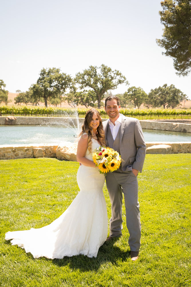 Paso Robles Wedding Photographer Rava Vines041.jpg