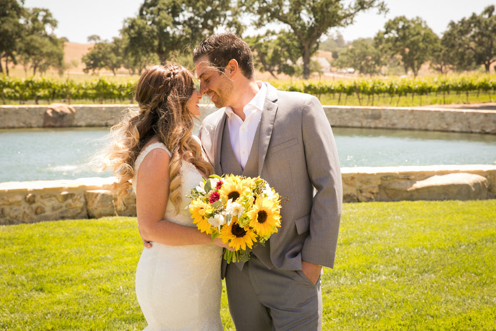 Paso Robles Wedding Photographer Rava Vines042.jpg