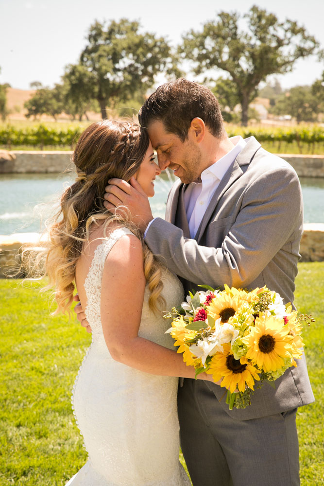 Paso Robles Wedding Photographer Rava Vines043.jpg