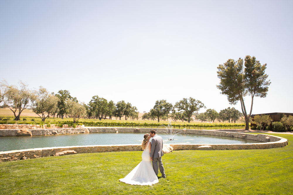 Paso Robles Wedding Photographer Rava Vines046.jpg