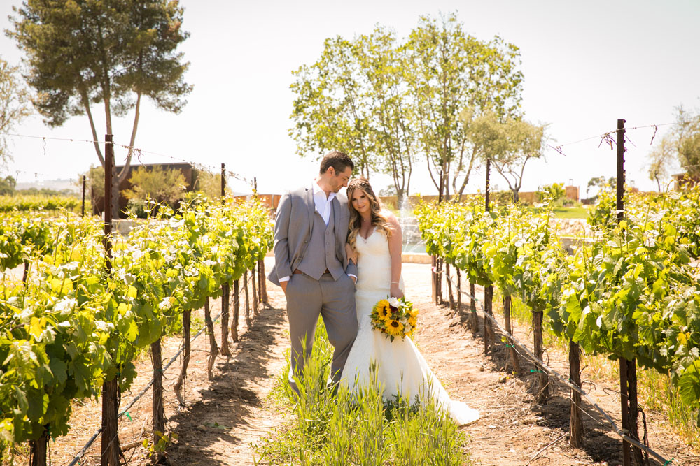 Paso Robles Wedding Photographer Rava Vines051.jpg