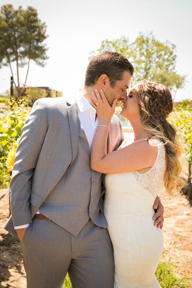 Paso Robles Wedding Photographer Rava Vines053.jpg