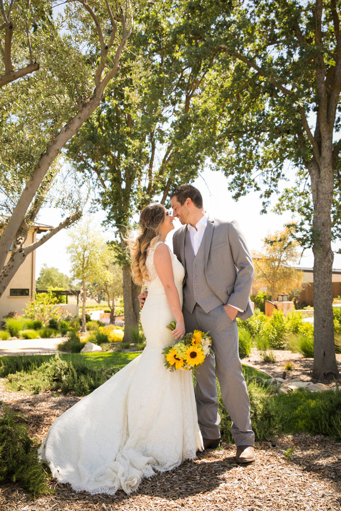 Paso Robles Wedding Photographer Rava Vines069.jpg