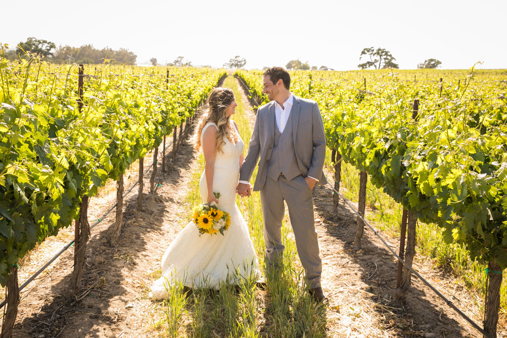 Paso Robles Wedding Photographer Rava Vines119.jpg