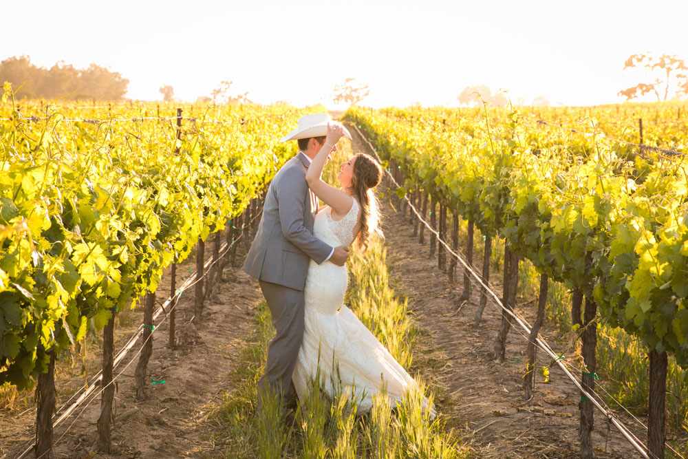 Paso Robles Wedding Photographer Rava Vines144.jpg