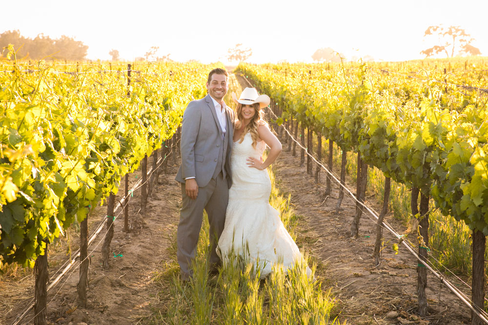 Paso Robles Wedding Photographer Rava Vines146.jpg